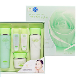 При активации сертификата Цена 2030  Набор для лица Увлажнение Snail Moist Control Skin Care 3SET 3W CLINIC (тоник/эмульсия/крем)
